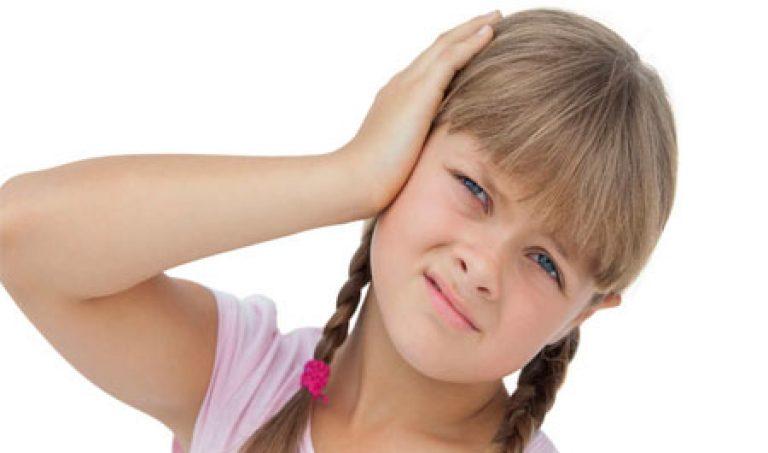 Что если у ребенка болит ухо