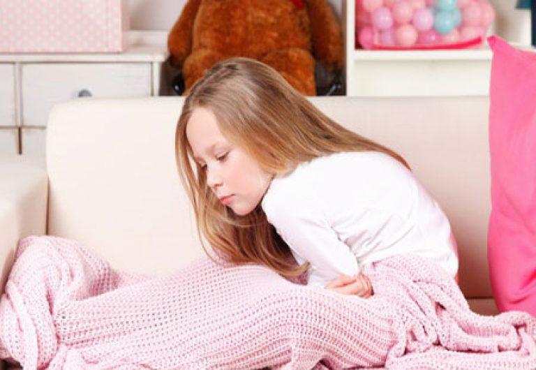 У ребенка периодически рвота и болит живот