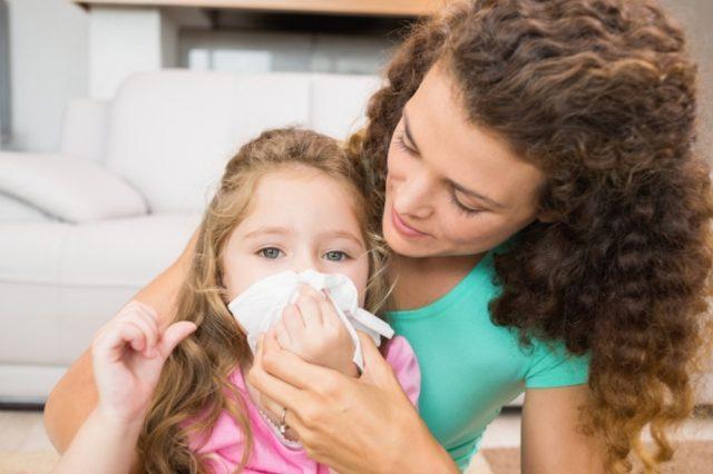 Появление насморка после прививки у девочки