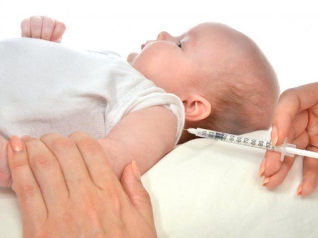 Этапы вакцинации: прививание ребёнка против кори в раннем возрасте