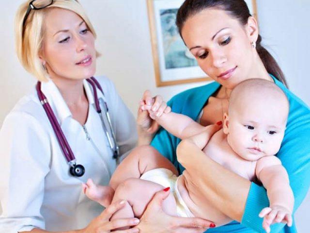 Новорождённый у окулиста