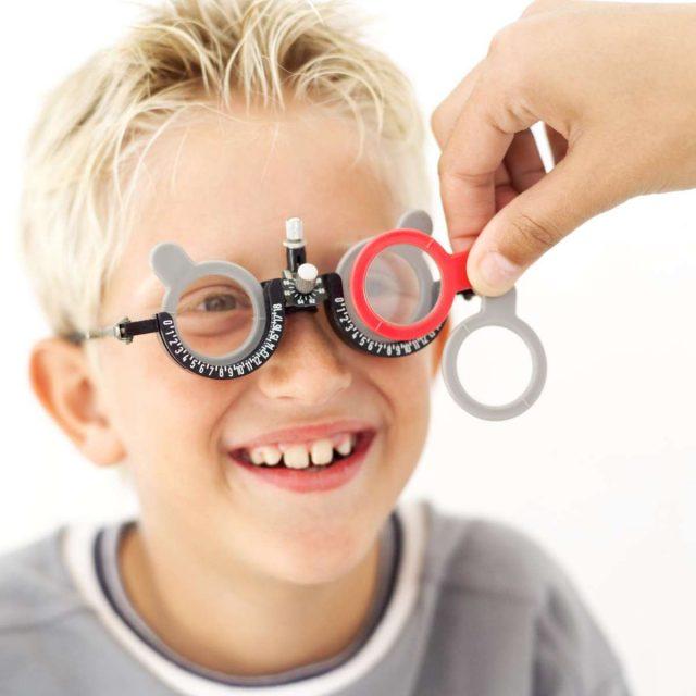 Подбор линз для очков ребёнку