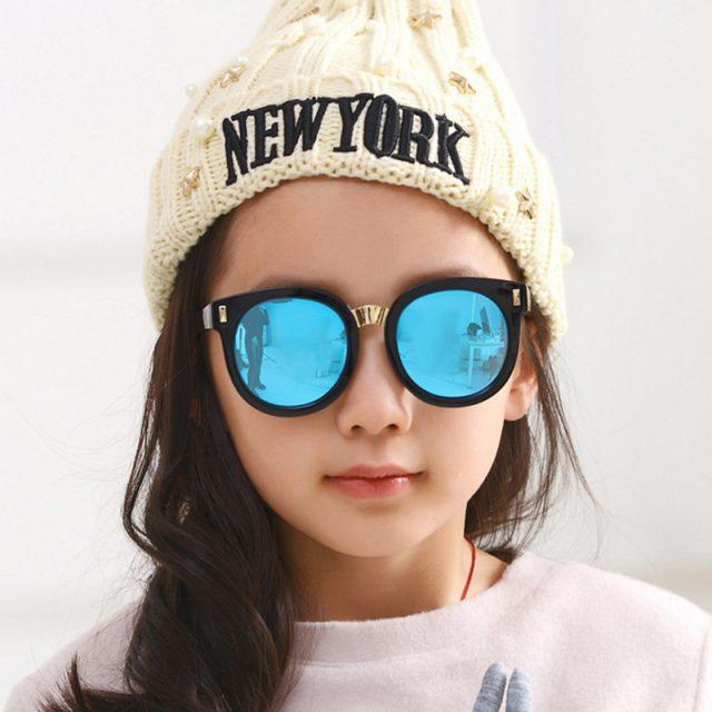 Ребёнок в солнечных очках