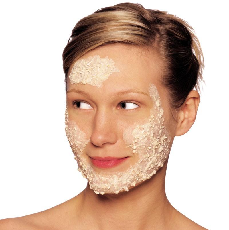 мягкая кожа на лице маски