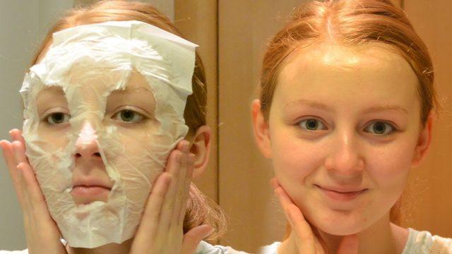 Девушка сделала яичную маску-пленку