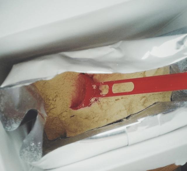 Смесь в пакетике и мерная ложка