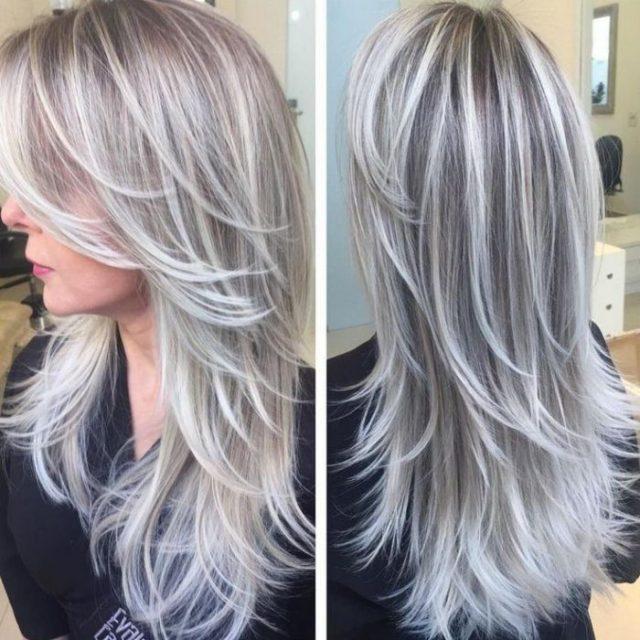Женщина с мелированием волос