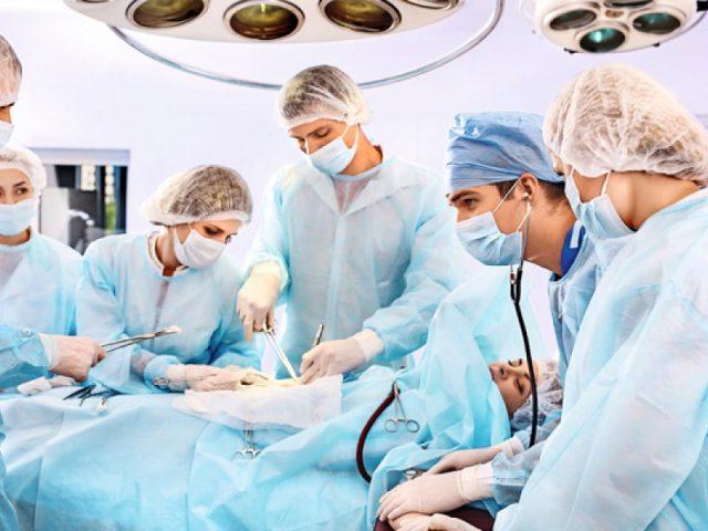 Операция по причине диастаза