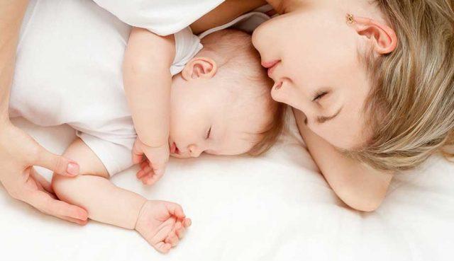 Совместный сон матери и ребёнка