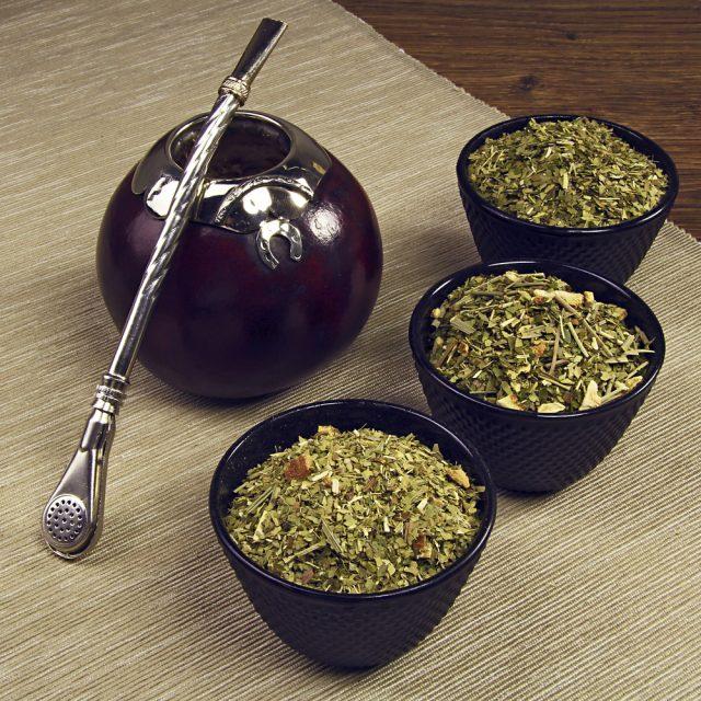 Чай мате и традиционный сосуд для чаепития