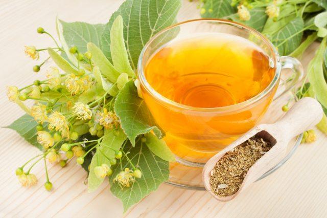 Липовый чай с мёдом