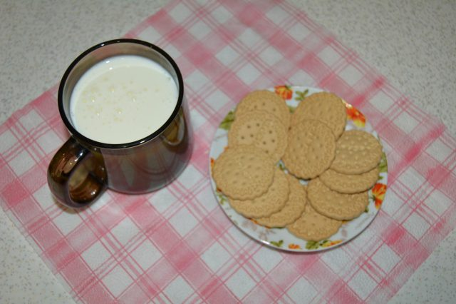 кефир и затяжное печенье