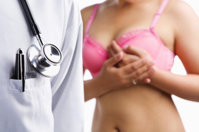 На приёме у врача при лактостазе
