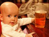 Пиво употреблять при лактации крайне нежелательно, тем более, что оно никак не влияет на увеличение выработки грудного молока