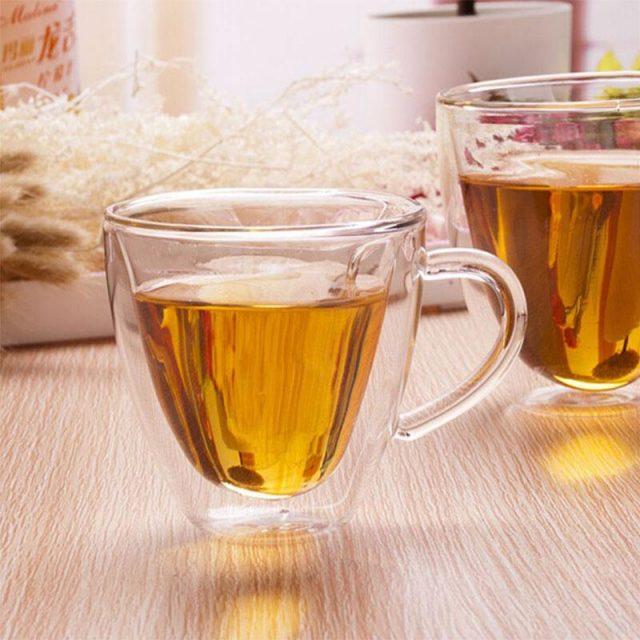 чай в прозрачном стакане