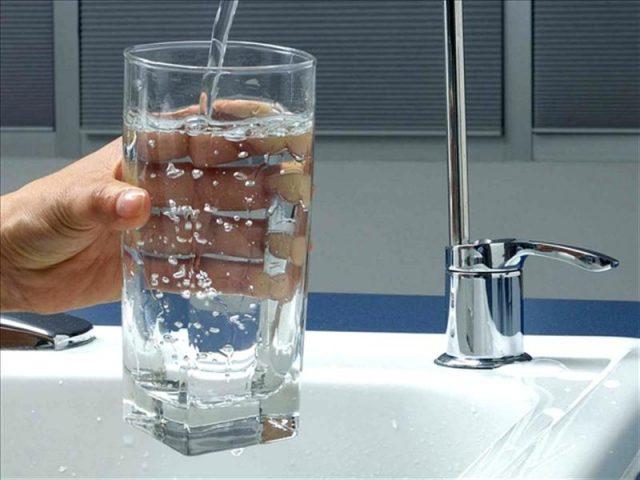 Чистая профильтрованная вода