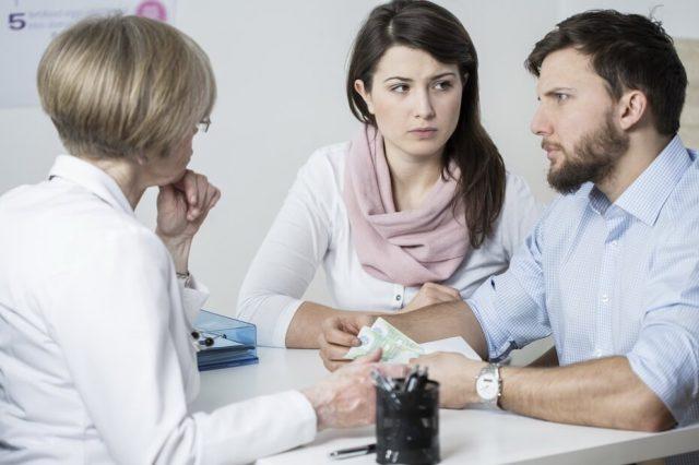 Пара на приёме у врача