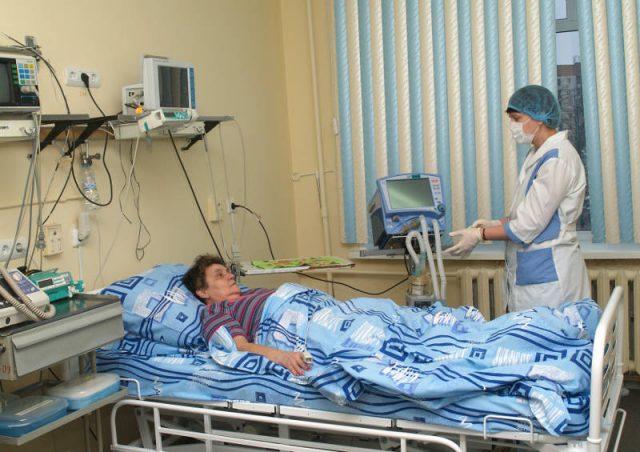 Послеоперационный больной в отделении реанимации