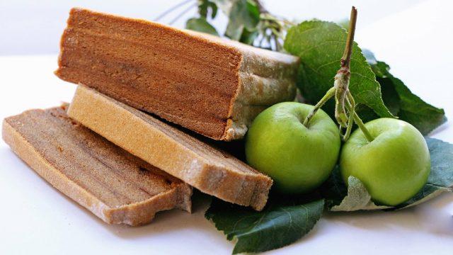 Белёвская пастила и свежие яблоки