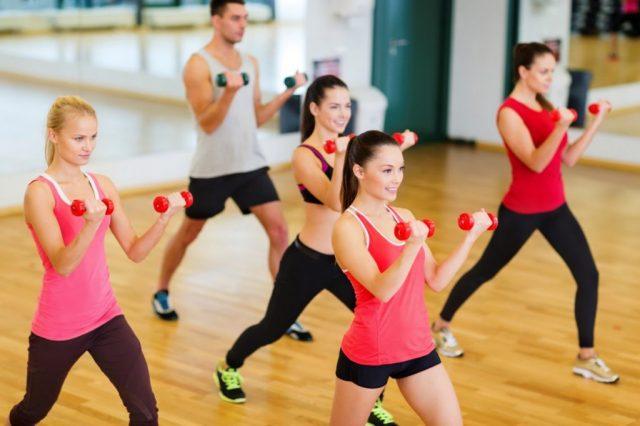 Занятия спортом в зале
