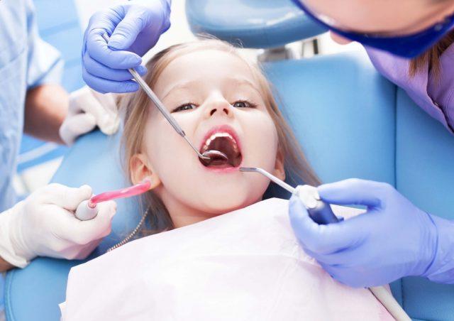 Ребёнок на приёме у стоматолога