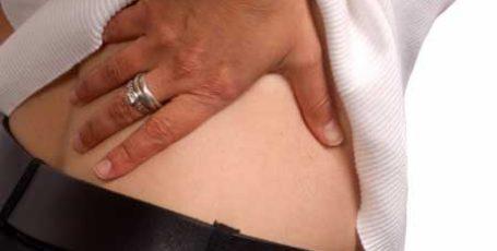 Поясничный остеохондроз: симптомы и лечение, помощь при обострении