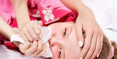 Дифтерия: симптомы, лечение, профилактика и причины болезни