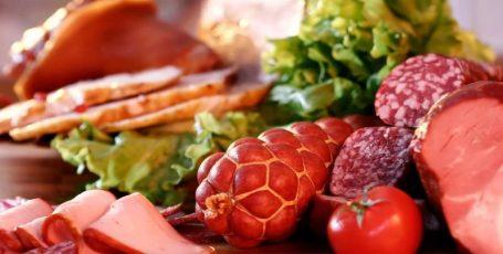Колбасные изделия в период грудного вскармливания