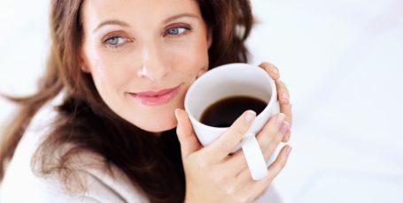 Как быть мамам-кофеманам во время грудного вскармливания
