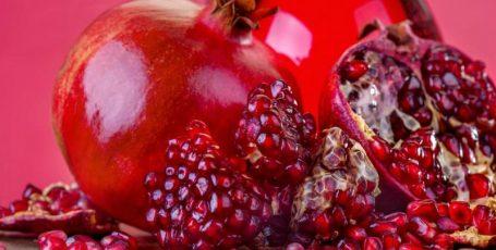Гранат при грудном вскармливании — драгоценные зёрна здоровья