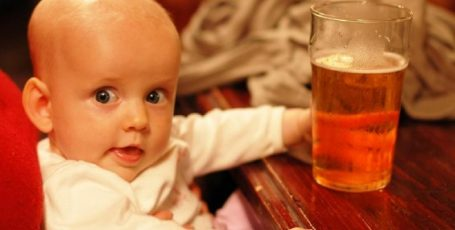 Разрешено ли пиво кормящей маме