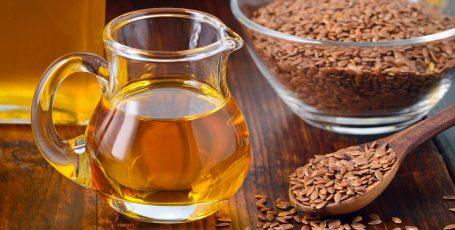 Льняное масло и семена льна для кормящих мам: польза и вред