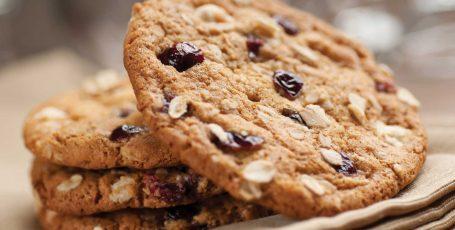 Овсяное печенье во время кормления грудью – сладость, которая полезна