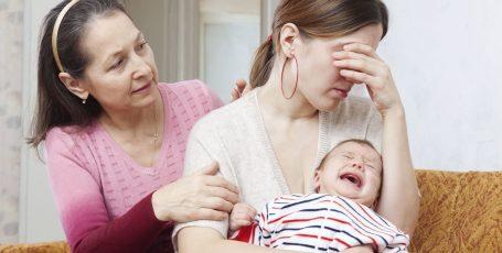 Послеродовая депрессия: как распознать и справиться