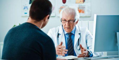 Слабая струя мочи при мочеиспускании: возможные причины и методы лечения