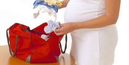 Что взять с собой в роддом матери и ребёнку